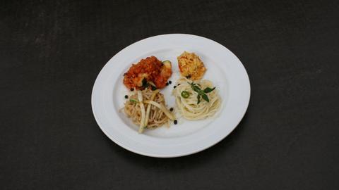 Asia Nudeln, Pasta mit Olivenöl und Lauchzwiebeln, Linsengemüse mit Zucchini, Curry-Reis mit Ingwer und Chili
