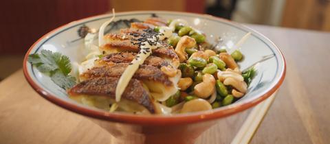 Gyoza-Bowl vegetarisch oder mit Rindfeisch