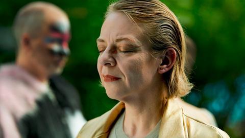 Katja schließt die Augen