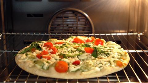 Tiefkühlpizza im Ofen