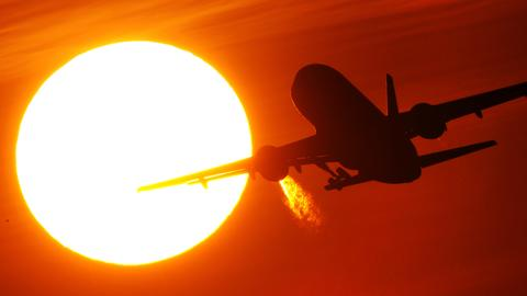 Fliegen wird teurer - wenn eine Kerosinsteuer kommt