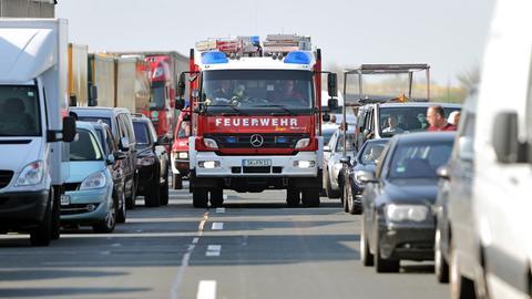 Die Rettungsgasse ist lebenswichtig für Unfallopfer