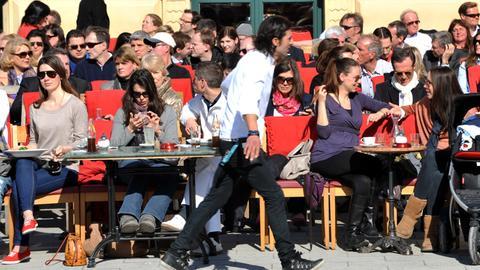 Essen, trinken, schlemmen im Freien liegt im Trend - nicht nur im Sommer.