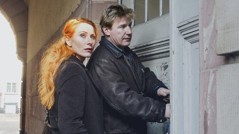 Die Kommissare der Frankfurter Mordkommission, Charlotte Sänger (Andrea Sawatzki) und Fritz Dellwo (Jörg Schüttauf).