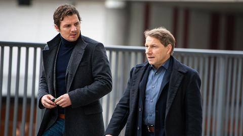 Sebastian Bootz (Felix Klare) und Thorsten Lannert (Richy Müller) müssen den Mord an einem ehemaligen Staatssekretär aufklären.