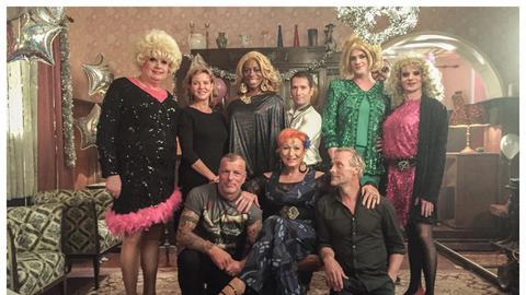 Travestie-Komparsen im Frankfurt-Tatort