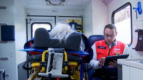 Ein Feuerwehrmann im Einsatz