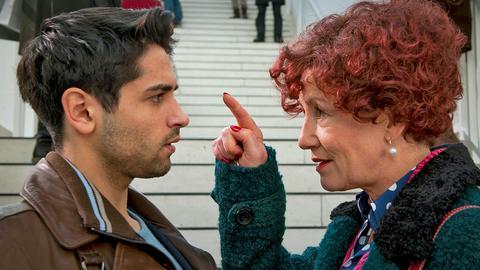 Marco Petrassi (Daniel Rodic) und Herta Frohwitter (Ulrike Krumbiegel).