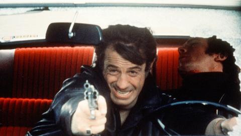 Immer in Aktion: der draufgängerische Kriminalkommissar Letellier (Jean-Paul Belmondo) auf der Jagd nach zwei Gangstern.