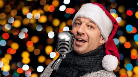 Moderator Tobi Kämmerer in Weihnachtsstimmung.