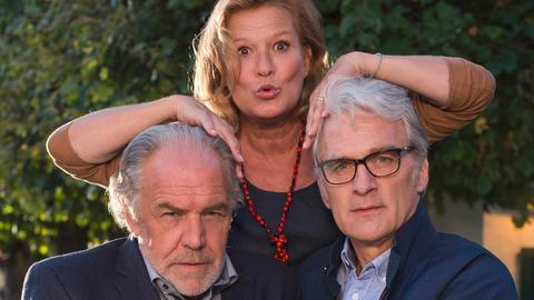 Georg (Christian Kohlund) horcht Alex (Walter Sittler) aus.