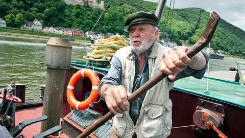 Kapitän Rainer Wenserit (Heinz Baumann) geht auf die letzte Fahrt.