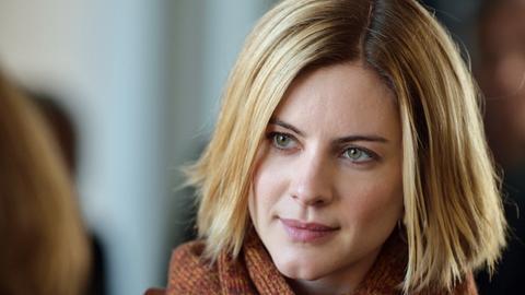 Reporterin Annika Bengtzon (Malin Crépin) darf nicht über einen heiklen Mordfall berichten, da sie Tatzeugin ist.