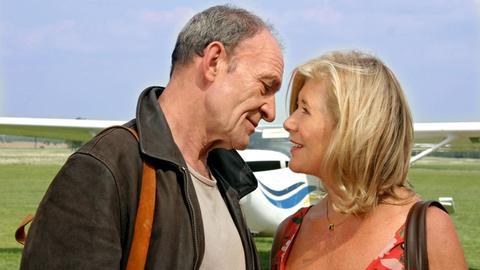 In Philipp (Michael Mendl) findet Marianne (Jutta Speidel) einen verständnisvollen Freund.