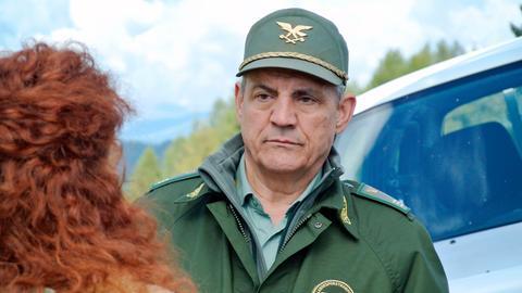 Roccia (Francesco Salvi) muss Pietro, seinen Freund und Kollegen von der Forstwache, vertreten. Ein autistischer Junge ist aus dem Therapiezentrum verschwunden. Roccia organisiert den Suchtrupp.