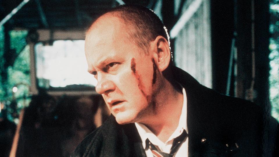 Kommissar Beck (Peter Haber) ist von einem flüchtigen Täter verletzt worden.