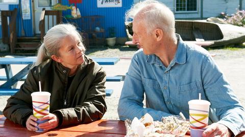 Craig Morrison (James Cromwell) und seine Frau Irene (Geneviève Bujold) sind seit 61 Jahren glücklich verheiratet.