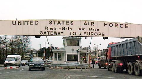 Blick auf das Gate der Rhein-Main Air Base.