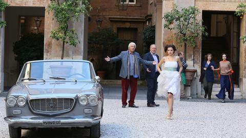 Jetzt kriselt es auch zwischen Bianca (Federica Sabatini) und Max. Ihre Eltern - Vibaldo (Ricky Tognazzi, li.) und Gioia (Stefania Rocca, re.) sowie Walter (Harald Krassnitzer. 2. v. li.) und Eva (Ann-Kathrin Kramer) - sind daran nicht unbeteiligt.