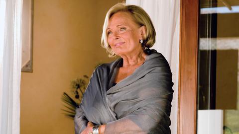 In Spanien erkennt Agnes (Ruth Maria Kubitschek), was wirklich wichtig in ihrem Leben ist.