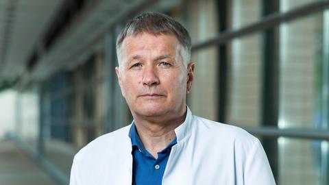 ARD/MDR IN ALLER FREUNDSCHAFT Dr. Roland Heilmann (Thomas Rühmann)