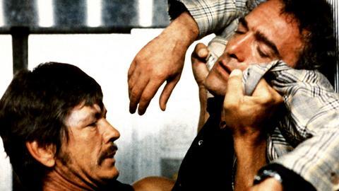 Kalter Schweiß: Joe Martin (Charles Bronson, li.) muss den Gangster Fausto (Luigi Pistilli) beseitigen.