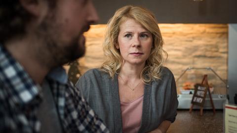 Nina (Jacqueline Svilarov) versucht, über die Dating-App Shnax, einen Mann zu finden. Doch nicht jedes Date ist ein Volltreffer.