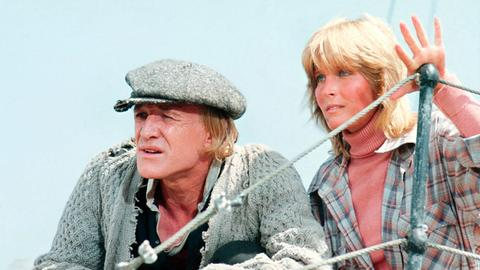 Kapitän Nolan (Richard Harris) und seine Partnerin Annie (Bo Derek) haben es auf gewinnbringende Wale abgesehe