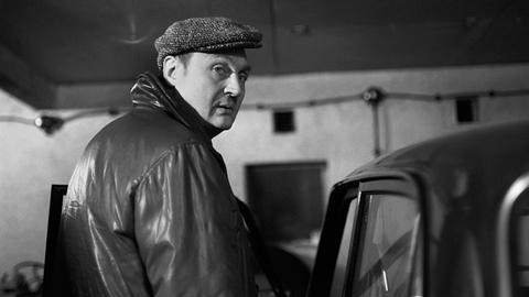 Rolf Hoppe als Hauptbuchhalter Kramer.