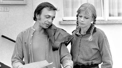 Jürgen Langer (Dieter Bellmann) ist seit Jahren in Autoschiebereien verwickelt und hat Krach mit seiner Schwester Petra (Karin Düwel), die ihn auf den rechten Weg bringen will.