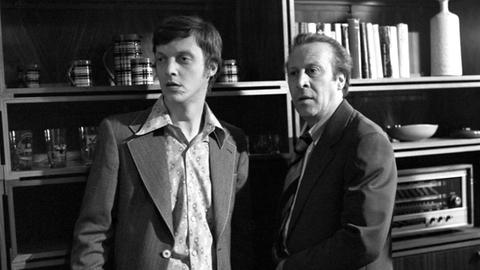 Manfred Petzold (Michael Christian, li) und Paul Petzold (Leon Niemczyk).