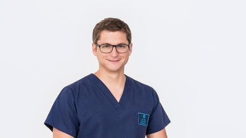 Dr. Elias Bähr (Stefan Ruppe)