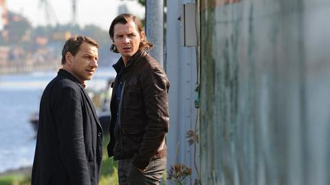 Thorsten Lannert (Richy Müller) und Sebastian Bootz (Felix Klare) gehen einem Tipp nach, der sie zu einem Entführungsopfer führen soll.