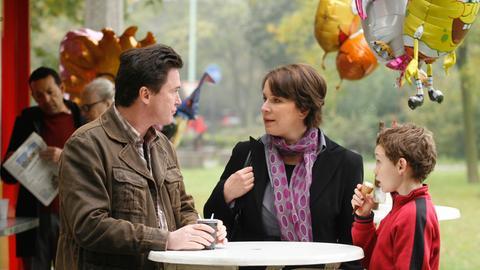 Christine (Bettina Kupfer) will Felix (Uwe Bohm) beim Kampf um das Umgangsrecht mit seinem Sohn Marco (Jonas Hämmerle) helfen.