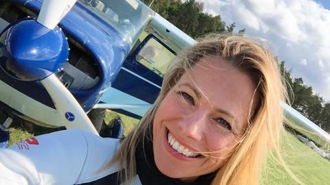Andrea Grießmann nach ihrem Flug über die Fränkische Schweiz.