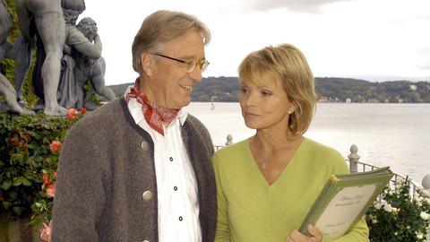 Breitwieser (Gerd Anthoff) macht seiner Konkurrentin Antonia (Uschi Glas) ein Kompliment.