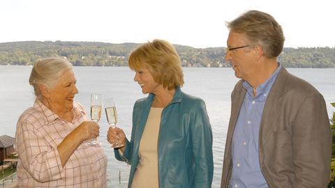 Antonia (Uschi Glas, Mitte) und Regina (Ruth Drexel) müssen sich diesmal mit ihrem Erzfeind Breitwieser (Gerd Anthoff) verbünden.