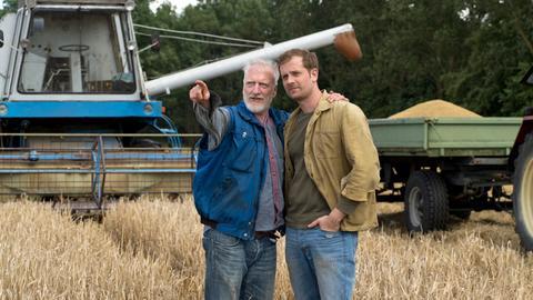 Johannes (Ernst Stötzner) möchte, dass Stammhalter Felix (Christoph Schechinger) als Bauer in seine Fußstapfen tritt.