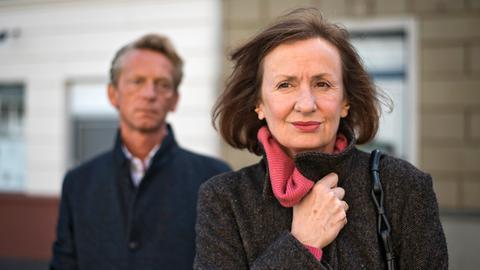 Anna (Irene Fischer) hat momentan wenig Interesse daran, die Beziehung zu Wolf (Martin Müller-Reisinger) fortzusetzen. Wolf ist frustriert.