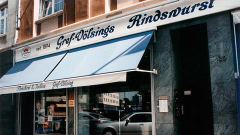 Filiale der Firma Gref-Völsing, 1894 als Metzgergeschäft mitten in der Frankfurter Altstadt eröffnet; Gref-Völsing befindet sich heute in der 4. Generation in Familienbesitz.