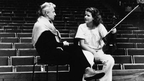 1977 entdeckte Herbert von Karajan die 13-jährige Anne-Sophie Mutter.