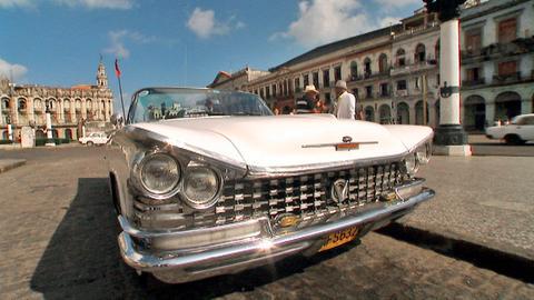 Einer der legendären Oldtimer in Havanna.