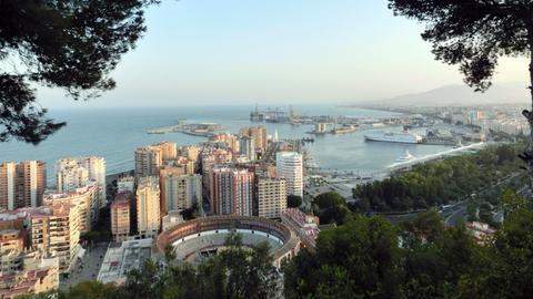 Blick auf den Hafen von Málaga.