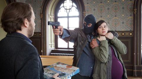 Wird Lessing (Christian Ulmen) Kira Dorn (Nora Tschirner) aus der Gewalt des Kidnappers befreien können?