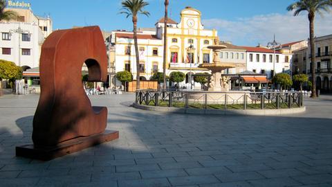 Blick auf das Rathaus in Mérida, der Hauptstadt der Autonomen Region Extremadura im Südwesten Spaniens.