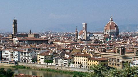 Blick auf Florenz; rechts die Kathedrale Santa Maria del Fiore.