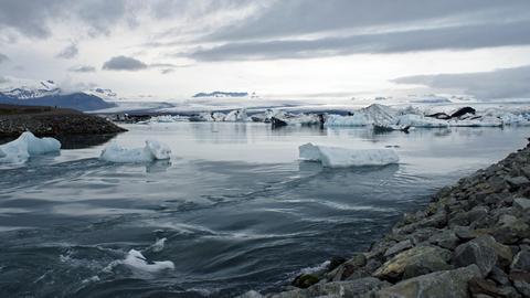 Blick auf den Gletschersee Jökulsárlón auf Island.