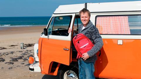 Moderator Stefan Pinnow hat den Rucksack in den Campingbus gepackt und sich auf eine Entdeckungsreise nach Zeeland gemacht.