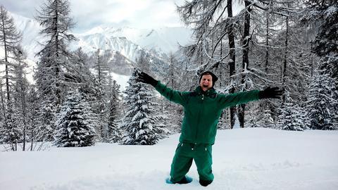 Michael Kessler in einer Schneelandschaft.