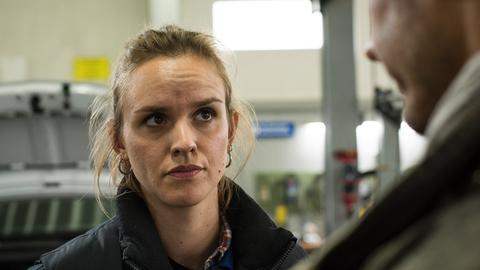 Jack (Cosima Viola) bekommt den Ärger einiger Nachbarn zu spüren. Doch sie lässt sich nicht unterkriegen.